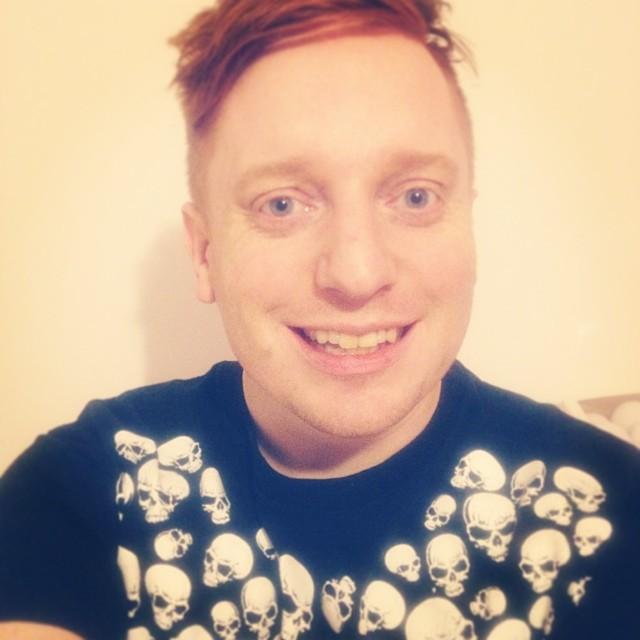 Jag och min Skelett-tröja från #Svenvictorturesson. #Bäraupp #Skrämsel #Dagensoutfit #Trend #senastetrenden