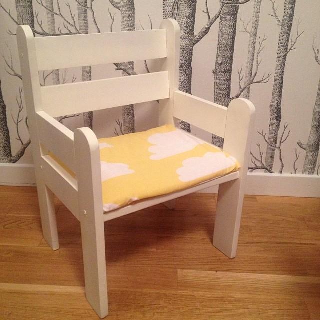 Syr nya stolskuddar till dottern. Vem vill inte sitta på ett moln?